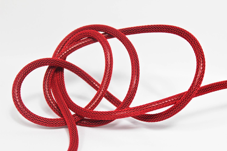 Textilkabel-Hängeleuchte Porzellan rot netzartig